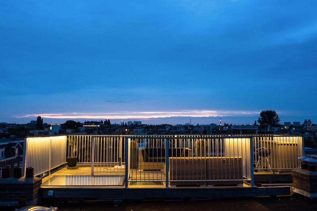 Trampilla de tejado manual en terraza de Ámsterdam