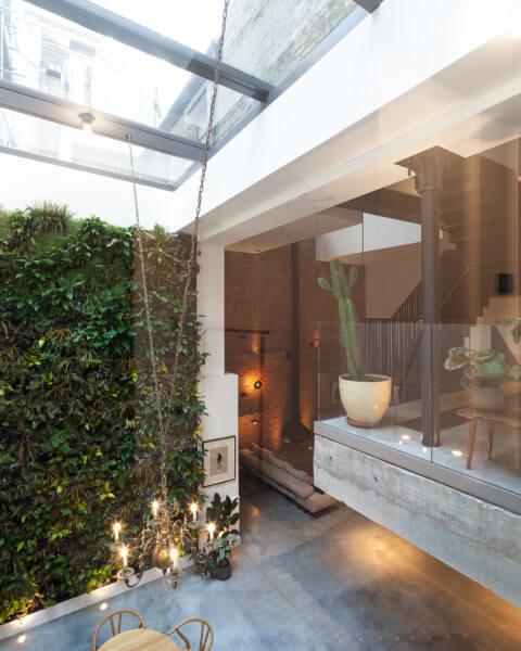 Ventana de techado deslizante de cristal en The Cooperage, Londres