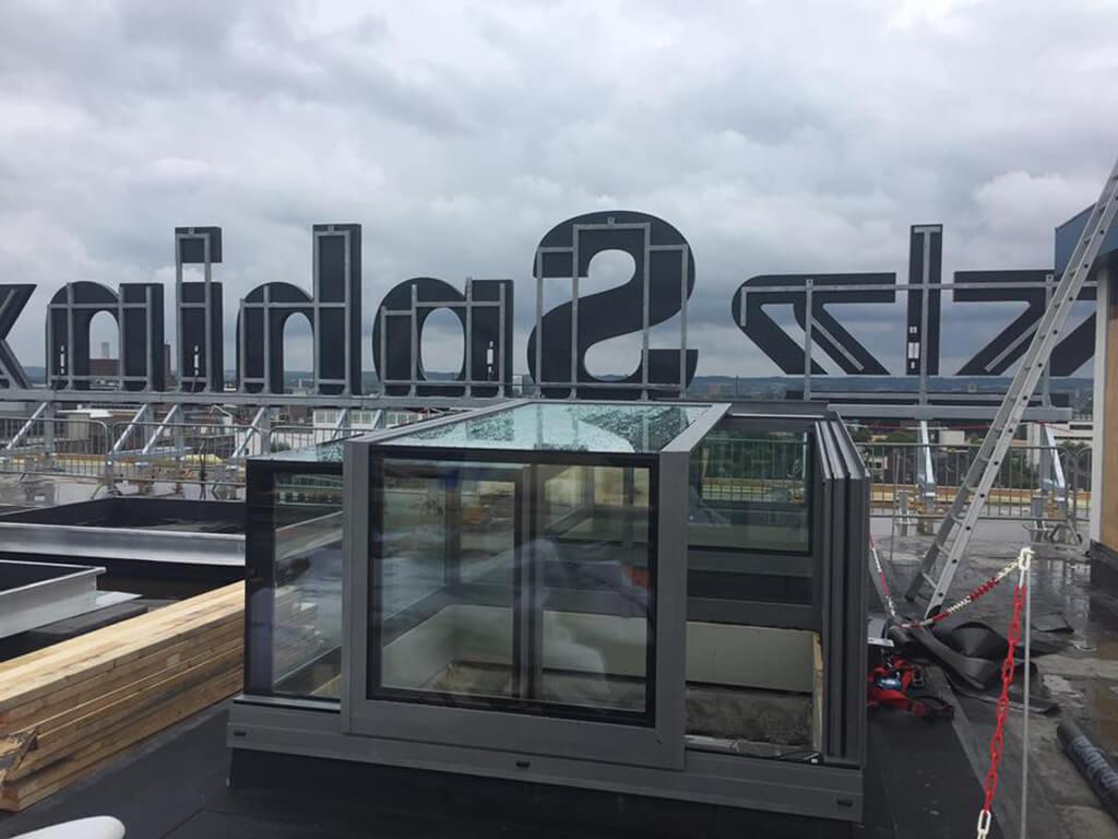 Acceso a la azotea con claraboya independiente Eiffel Maastricht
